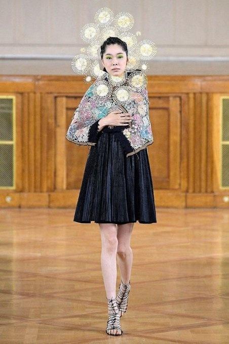 marizio galante resplandor haute couture collection cosmogonique jupe et chale