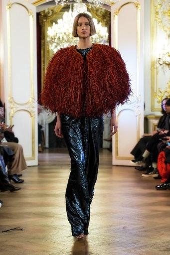 Imane Ayissi : premier défilé PFW Haute Couture pantalon raphia
