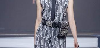 On Aura Tout Vu haute couture SS 20 : mon truc en plumes detail ceinture