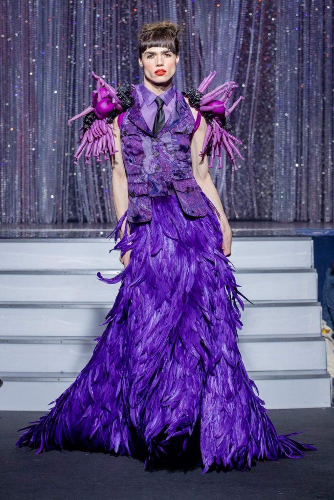 On Aura Tout Vu haute couture SS 20 : mon truc en plumes ensemble jupe