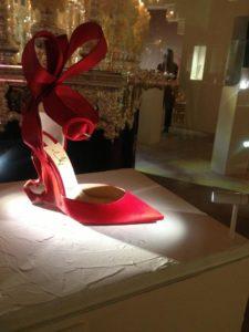 Christian Louboutin : l'Exhibition[niste] épopée du Shiva de l'escarpin soulier rouge